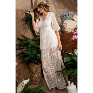 ✨The Lily Of The Valley Maxi Dress
